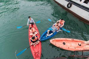 Thoa suc vui choi tren thuyen Kayak